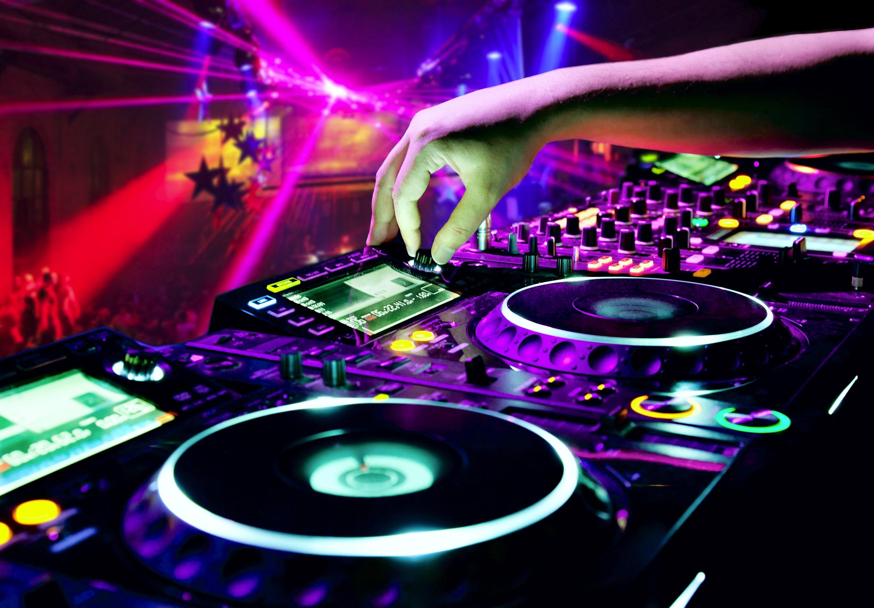 disco_dance_music_club_2800x1950
